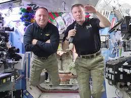 تمرین راهپیمایی فضایی برای فضانوردان