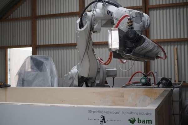 روبات معمار سازه های سه بعدی میسازد