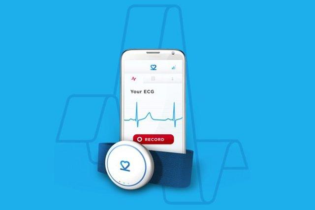 دستگاه بندانگشتی برای اندازهگیری ضربان قلب