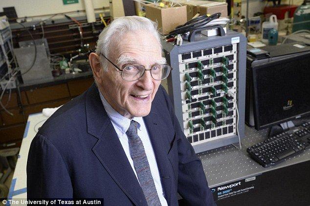 اختراع سوپرباتری جدید توسط پروفسور 94 ساله
